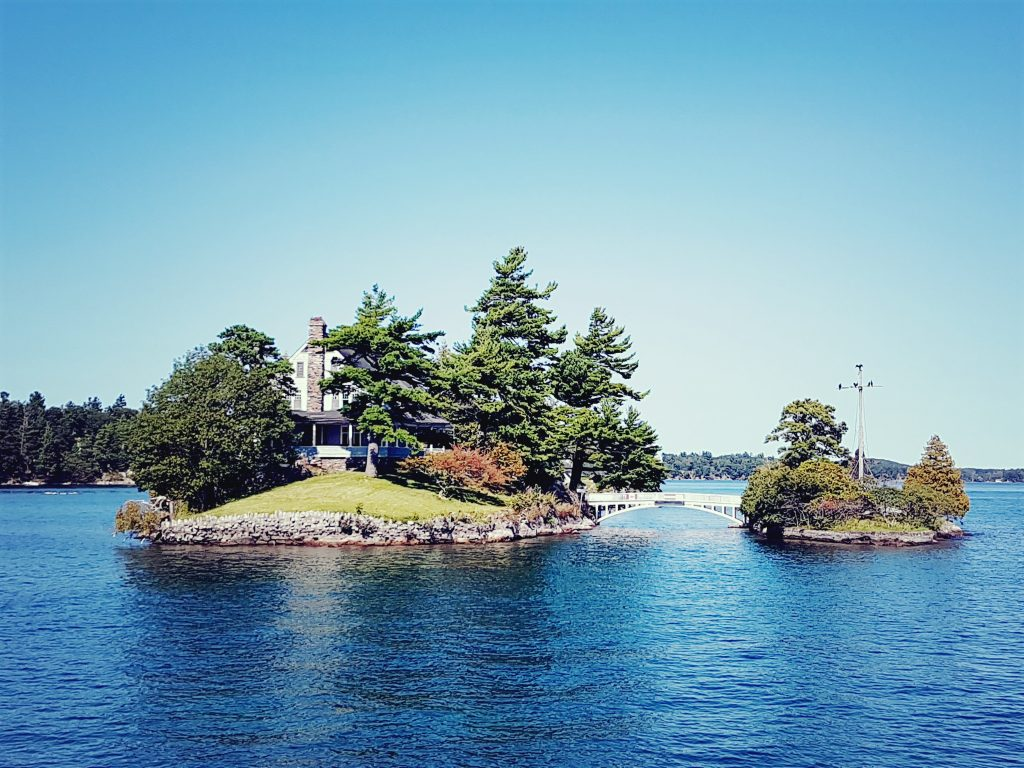 ile canadienne américaine