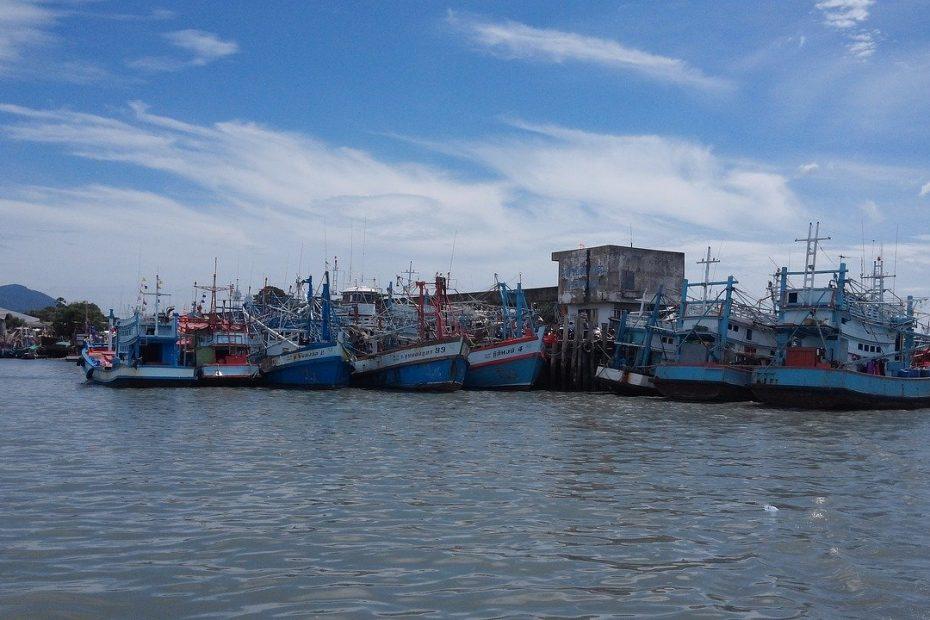 bateaux à moteur à Koh Samet