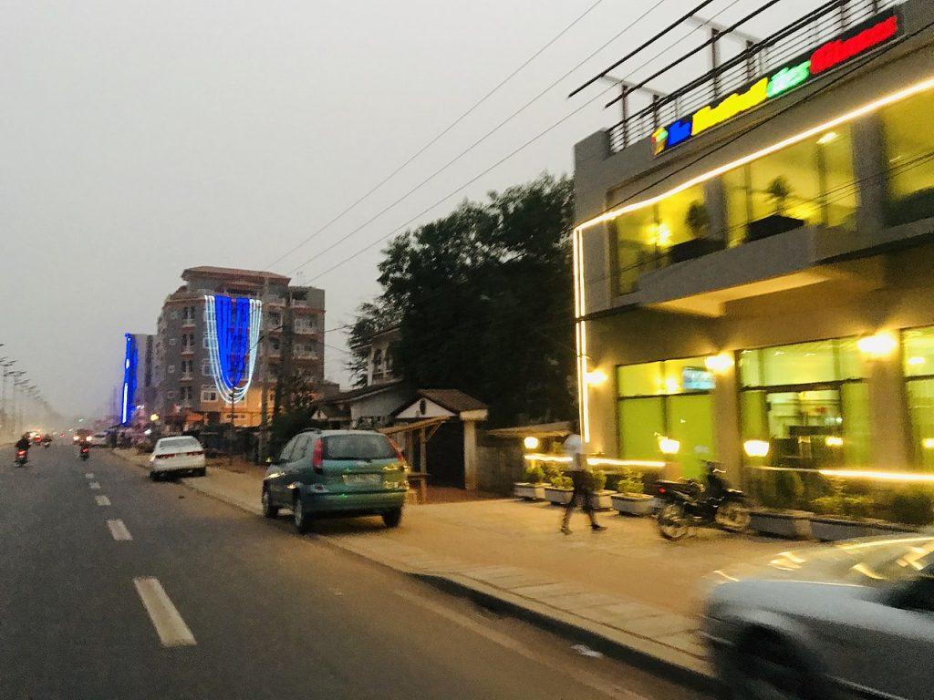 Une rue de Porto Novo, au Bénin