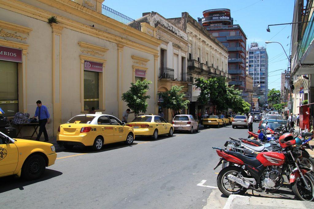Une rue de Asuncio au Paraguay