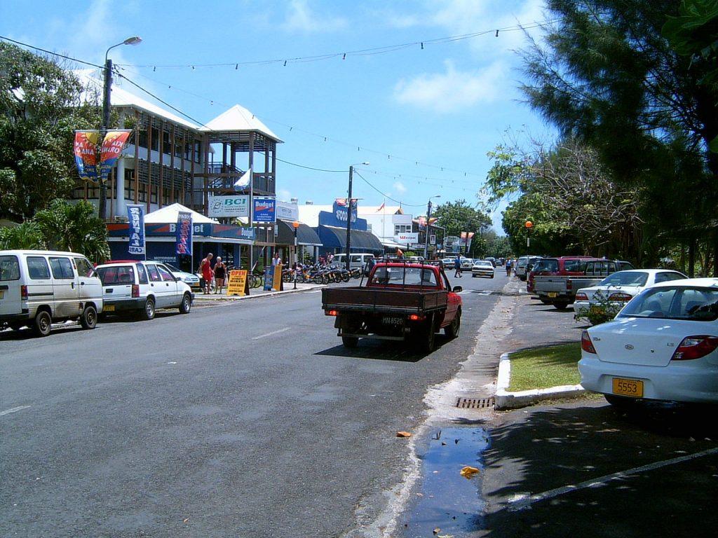 Une rue de Avarua, capaitale des Îles Cook