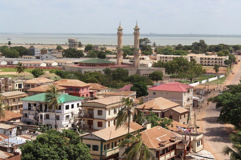 Un quartier de Banjul en Gambie