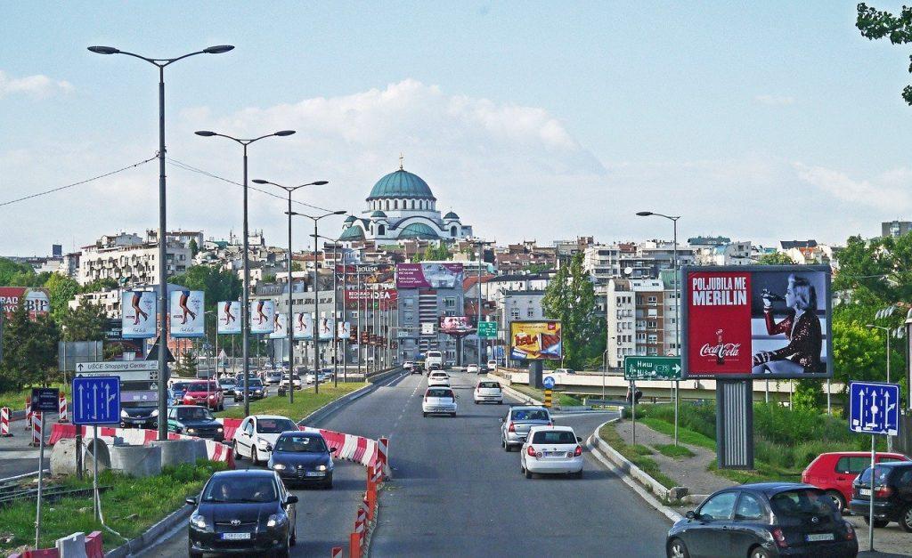 Une route à 4 voies à Belgrade